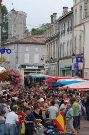 MOntendre busy weekly market